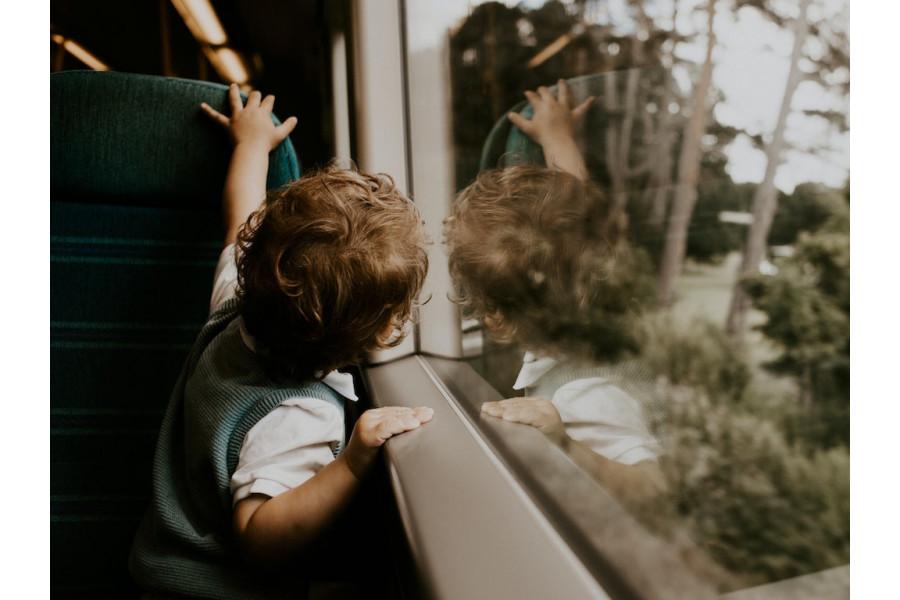 5 astuces pour voyager en train avec bébé
